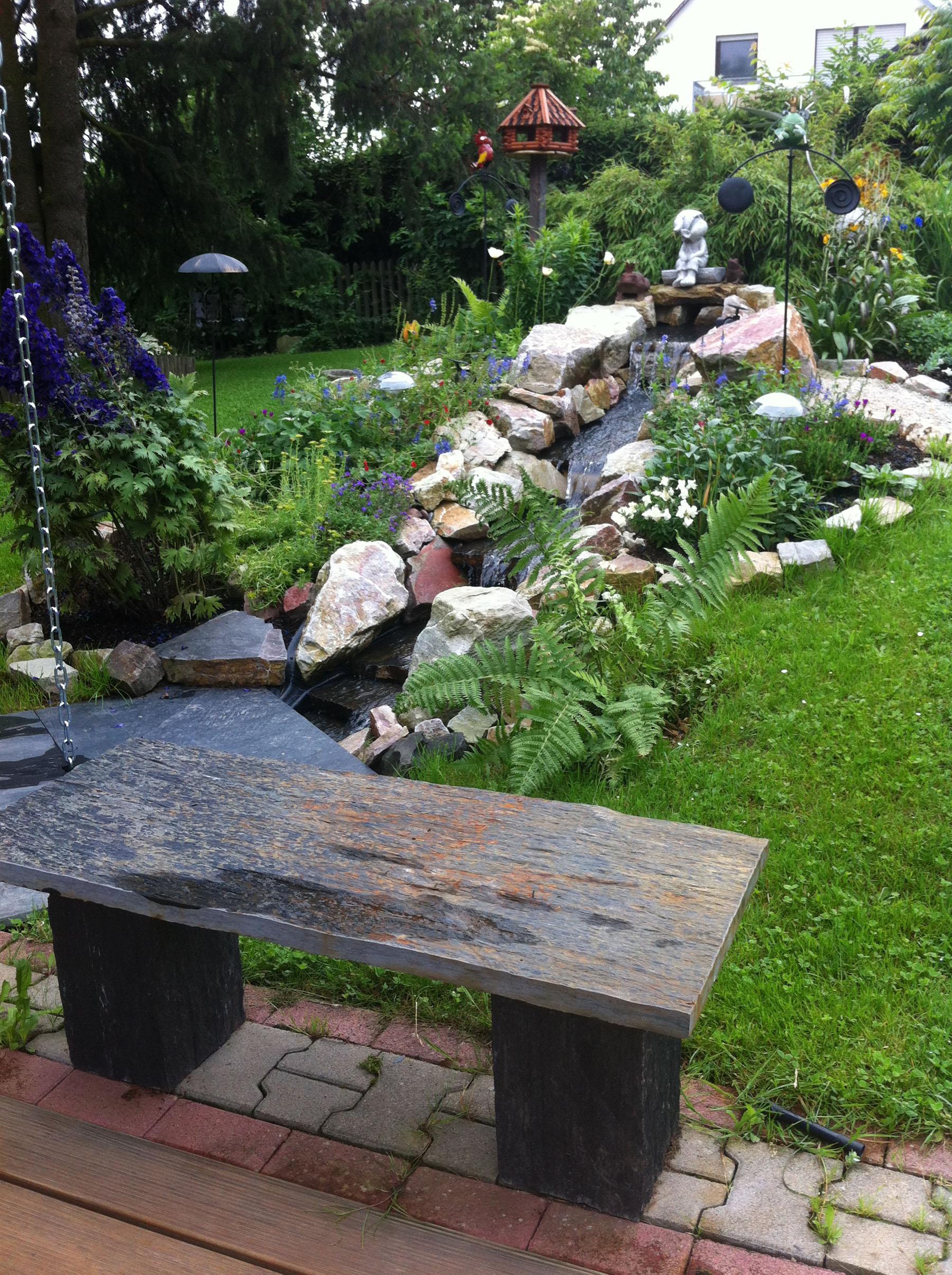 Gartengestaltung mit schiefer backes for Gartengestaltung rustikal