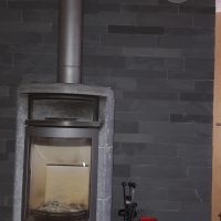 wandgestaltung ? backes - Schiefer Wandverkleidung Wohnzimmer